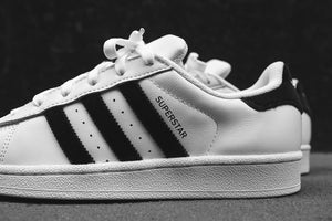 adidas Originals Junior Superstar - White / Black Image 4