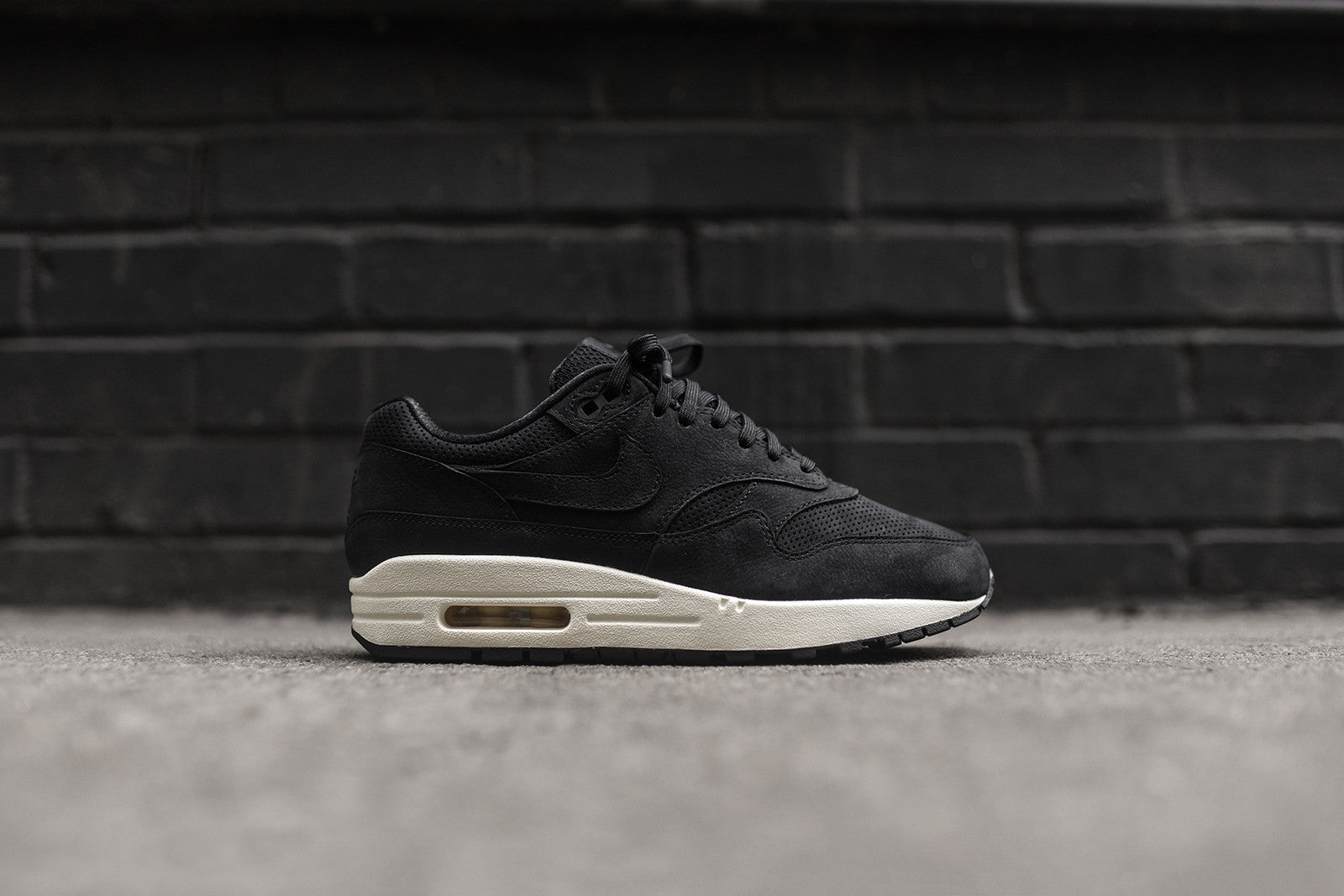 NikeLab WMNS Air Max 1 Pinnacle - Black / Sail