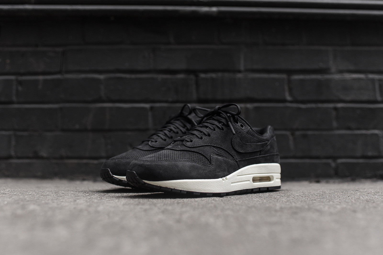 huge selection of 16933 92e0b ... cheap nikelab wmns air max 1 pinnacle black sail b17c2 788fa