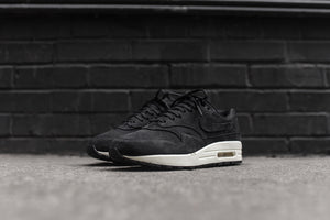 quality design 05c19 877a8 NikeLab WMNS Air Max 1 Pinnacle - Black   Sail