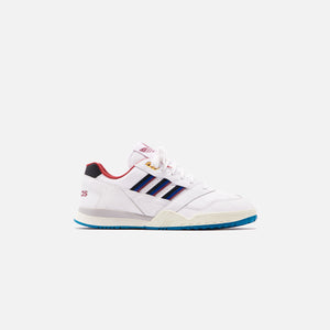 adidas Originals A.R. Trainer Archive - White / Collegiate Burgundy