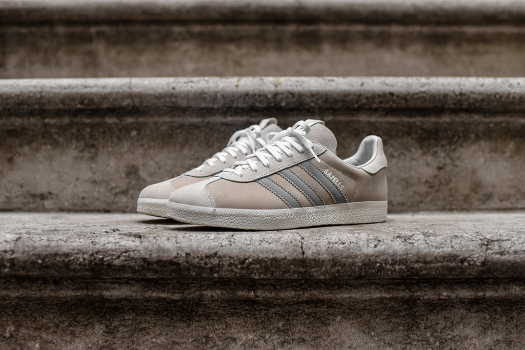 more photos b5fb8 13d22 adidas Consortium x Alife x Starcow Gazelle - Beige  White –