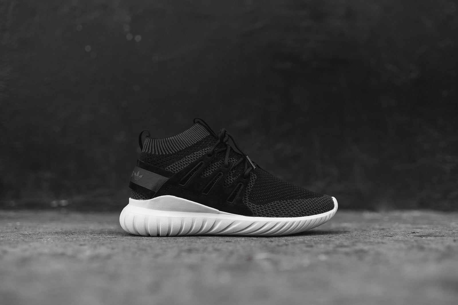 adidas Originals Tubular Nova Primeknit - Black / White