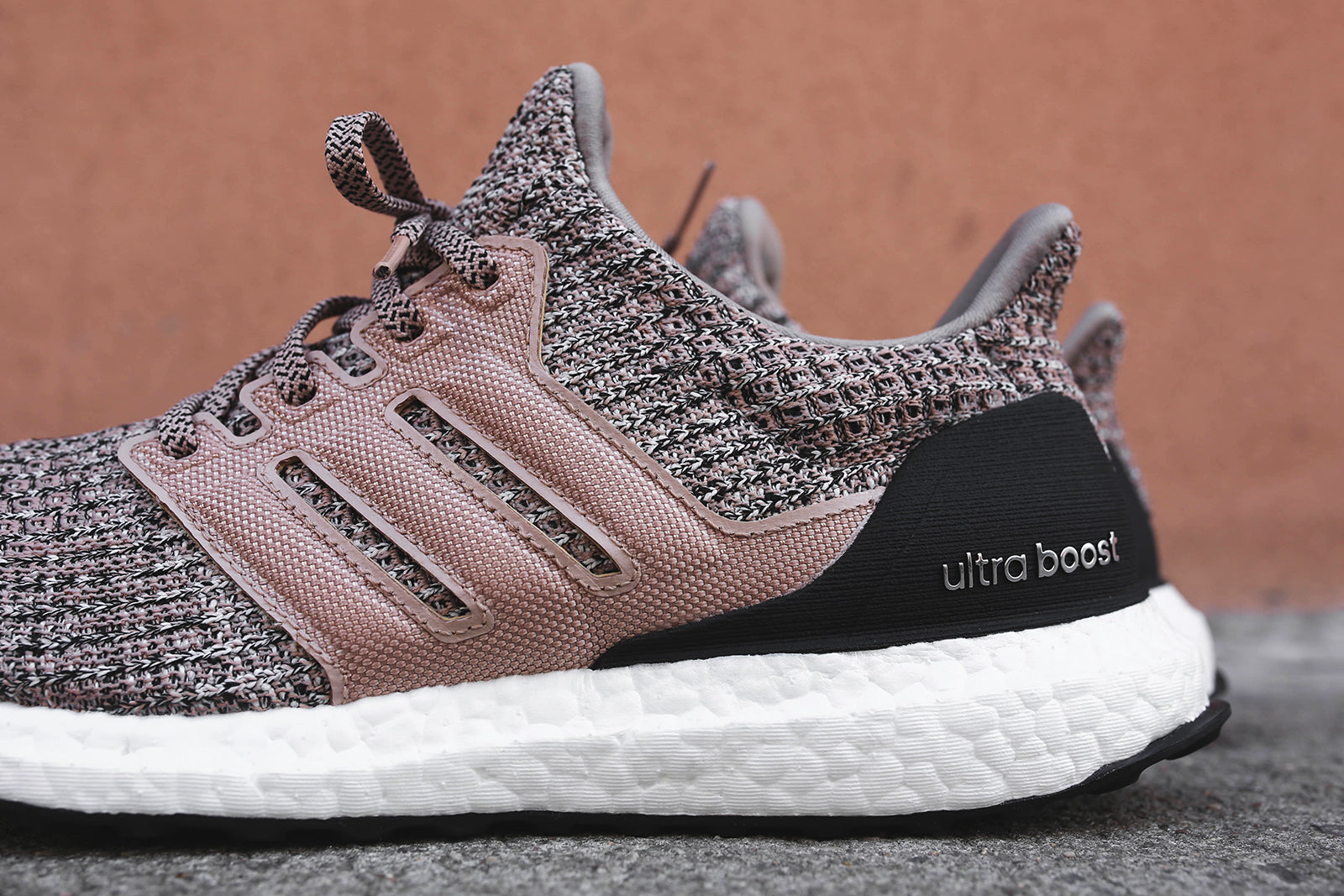 separation shoes 30624 ebc63 adidas UltraBoost 4.0 - Grey / White