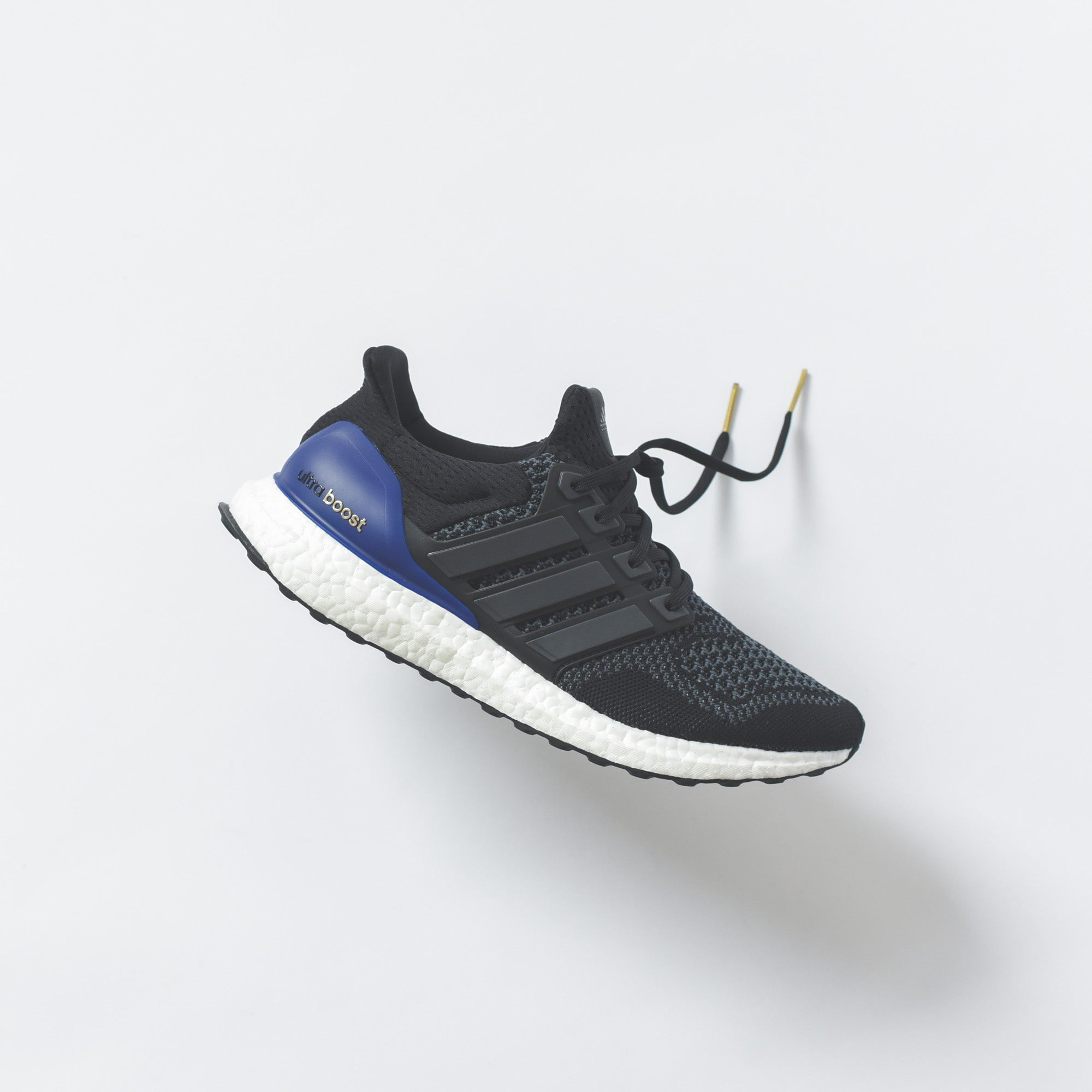 adidas Originals UltraBoost OG - Black / White