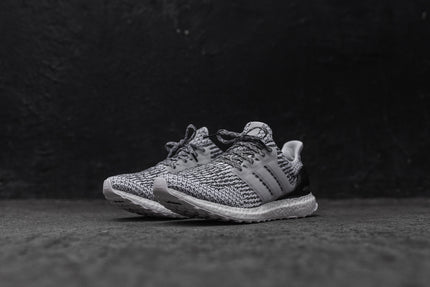 adidas Ultra Boost - White / Black