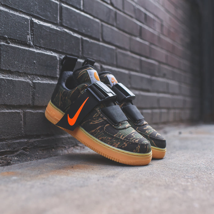 Nike Air Force 1 UT Low PRM WIP Camo - Green / Total Orange