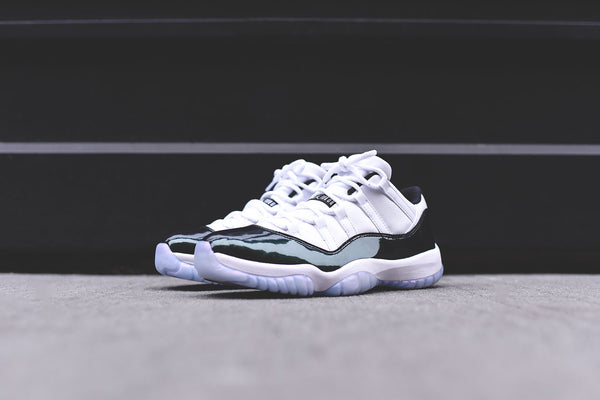 Nike Air Jordan 11 Retro Low - White / Emerald