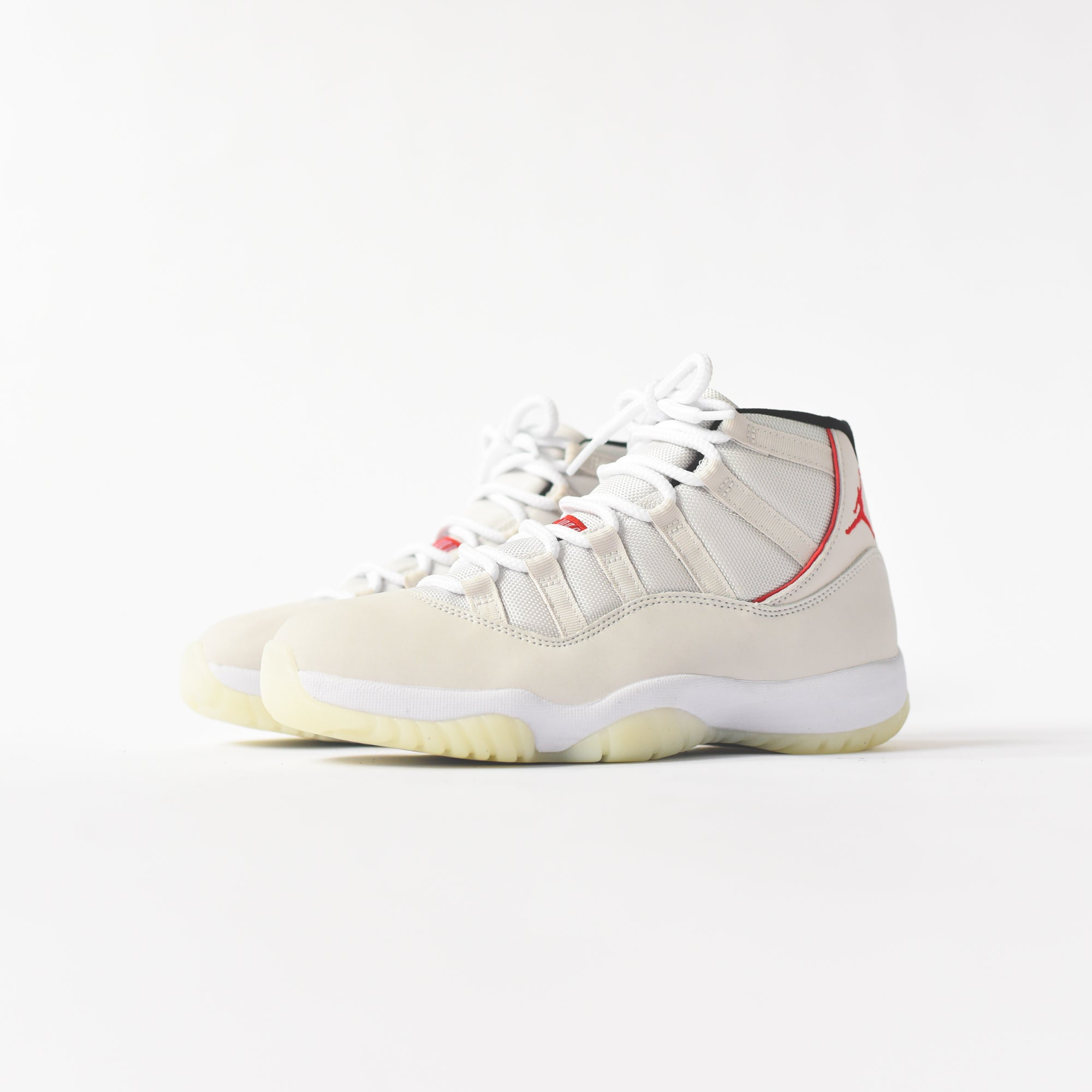 Nike Air Jordan 11 Retro , Platinum Tint / University Red