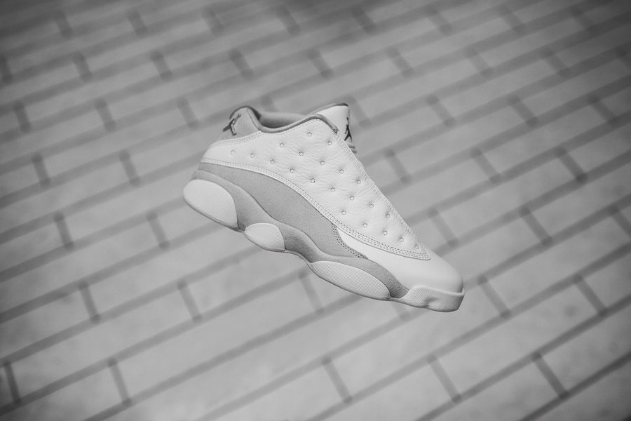 Nike GS Air Jordan 13 Retro Low - White / Metallic Silver