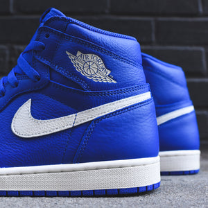 06888b6a064e05 Nike Air Jordan 1 - Hyper Royal   Sail