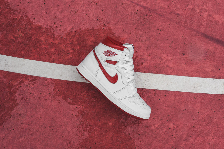 Nike GS Air Jordan Retro 1 High OG - Metallic Red / White
