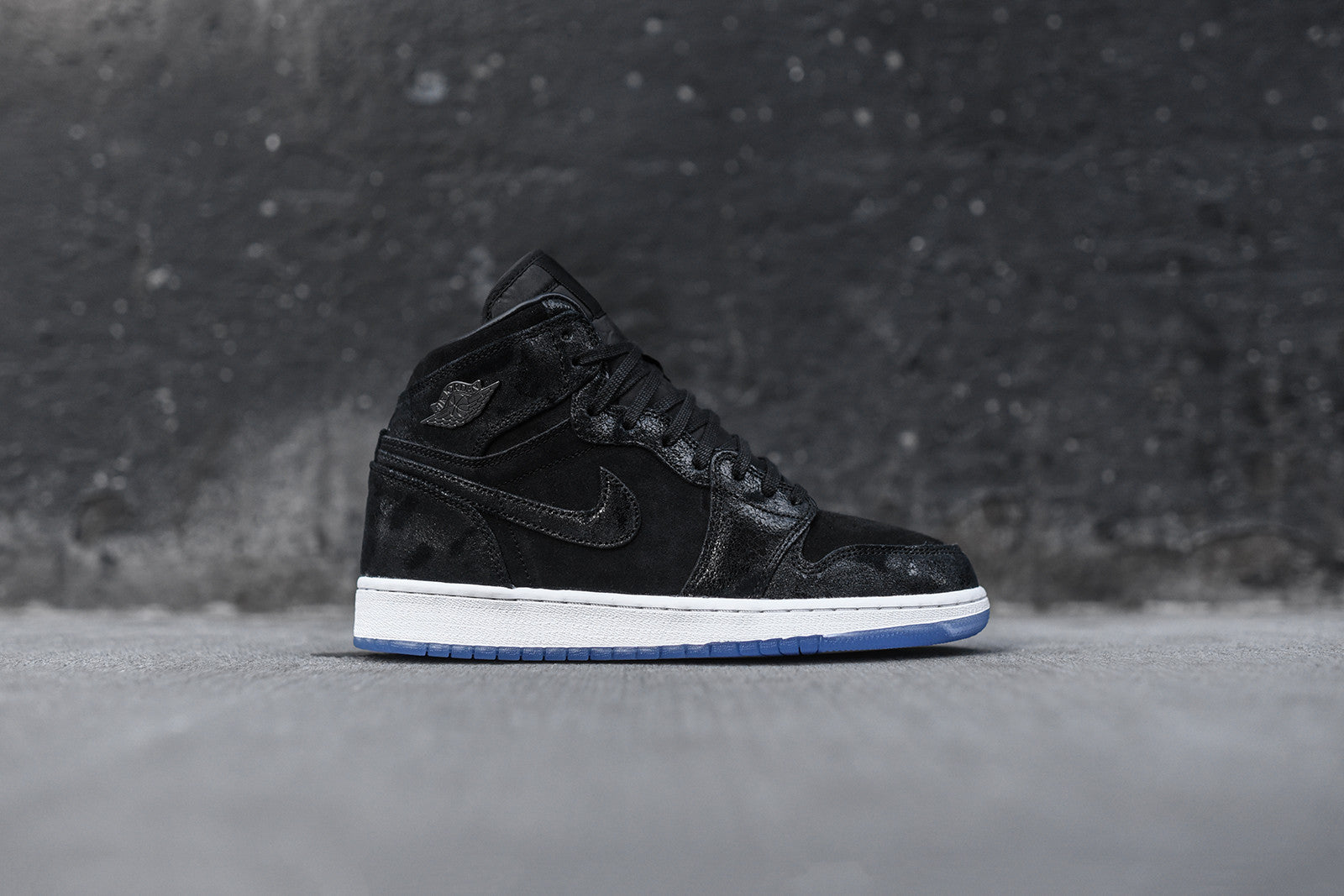 Nike GS Air Jordan 1 Retro High PRM - Black / White