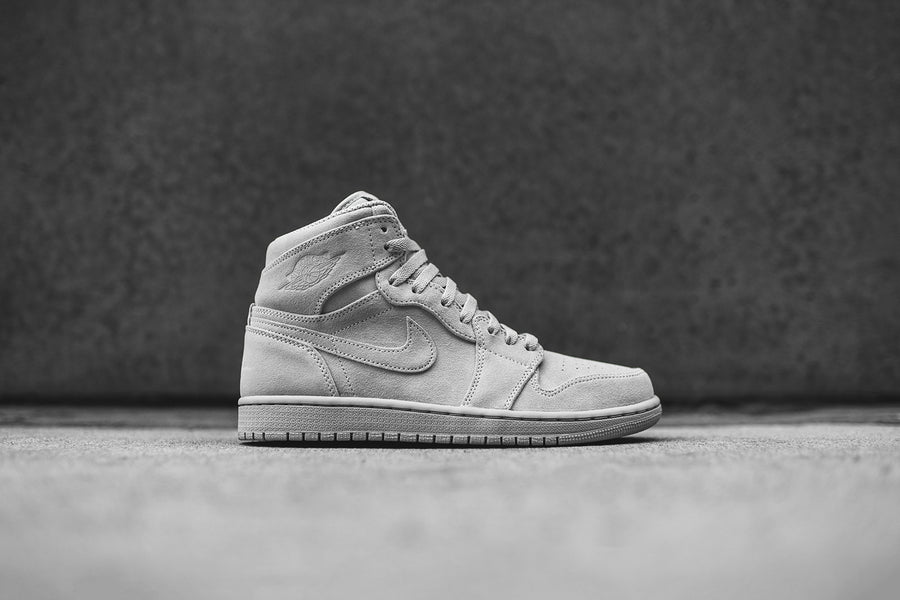 Nike Air Jordan 1 Retro High - Wolf Grey
