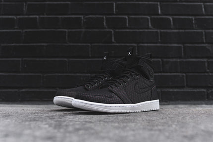 Nike Air Jordan 1 Ultra High - Black