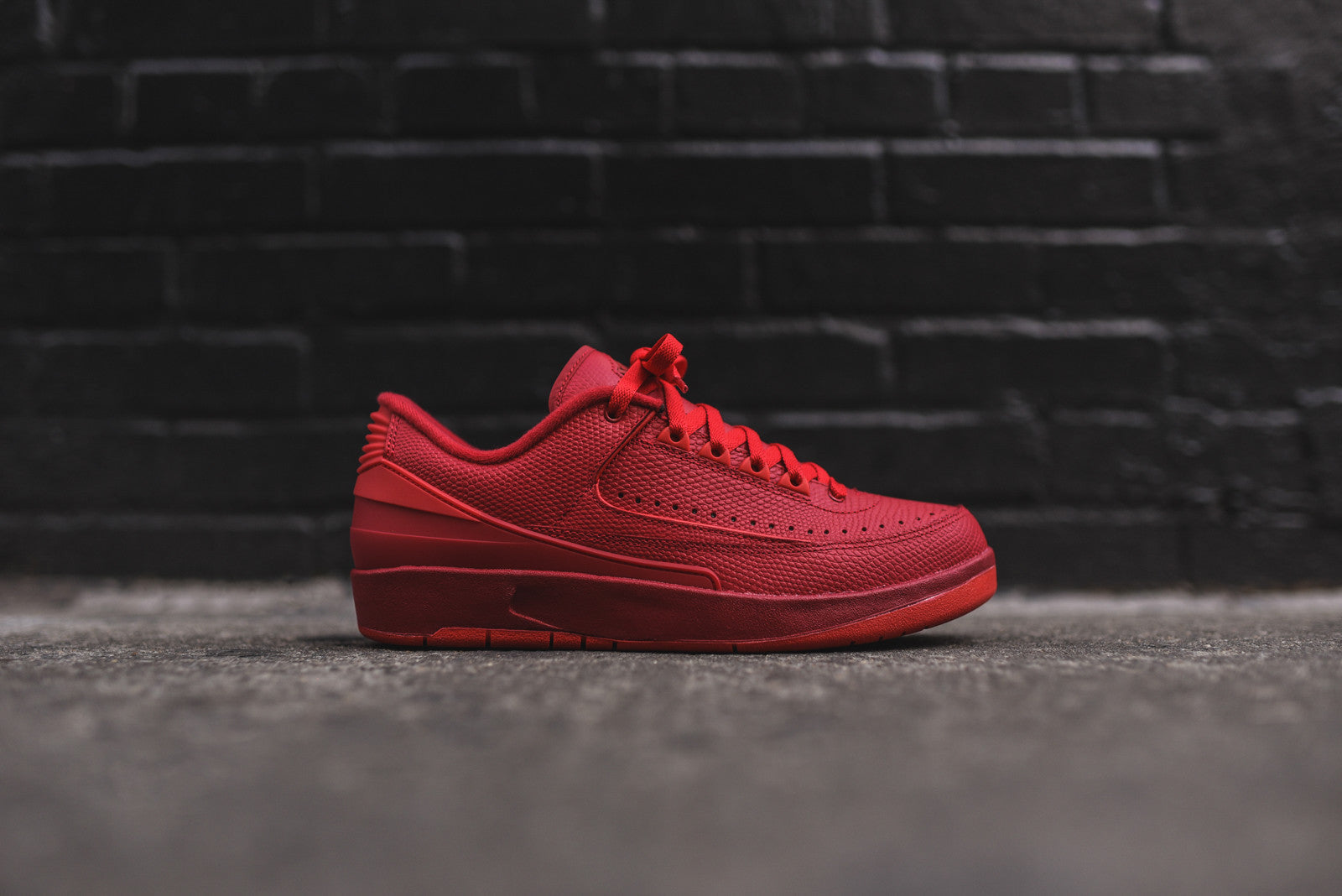 Nike Air Jordan II Low Retro - Gym Red