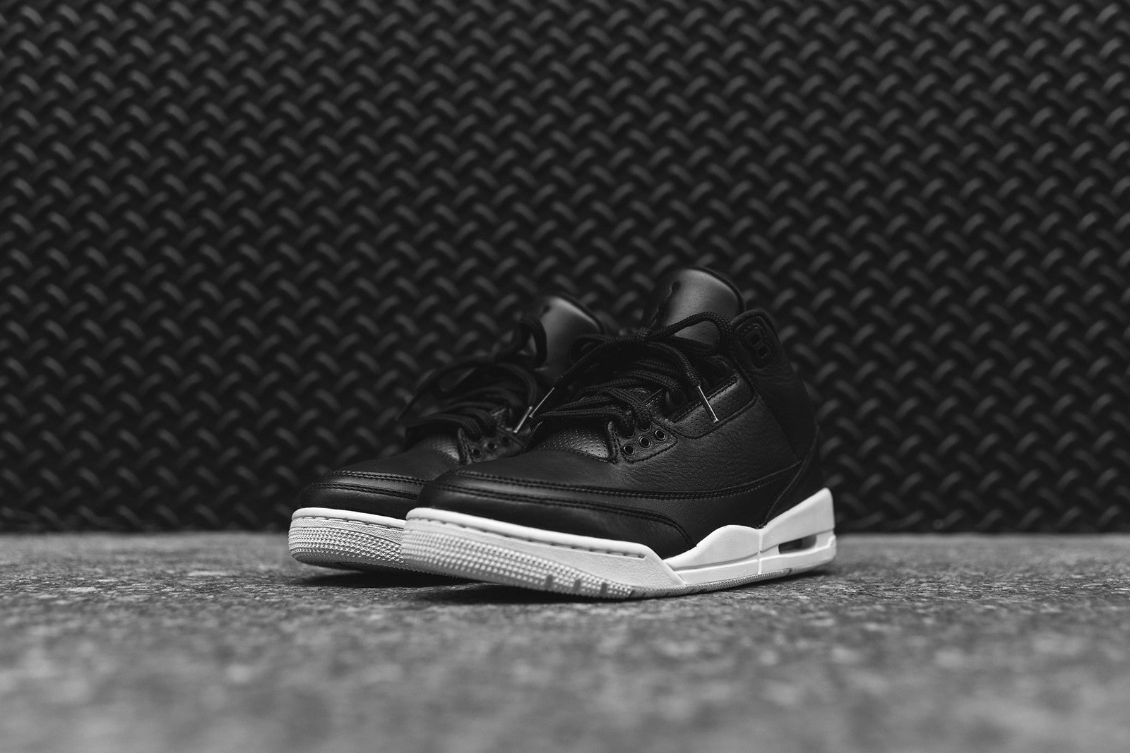 Nike Air GS Jordan III Retro - Black / White