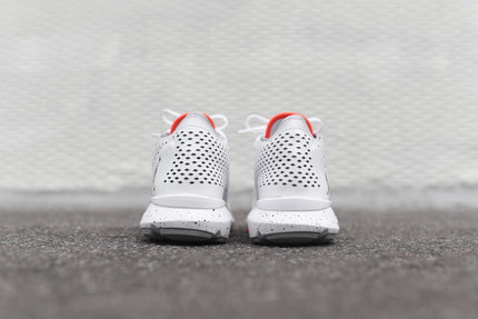 Jordan Flow - White / Infrared