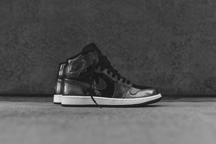 Nike Air Jordan 1 Retro High - Black / White