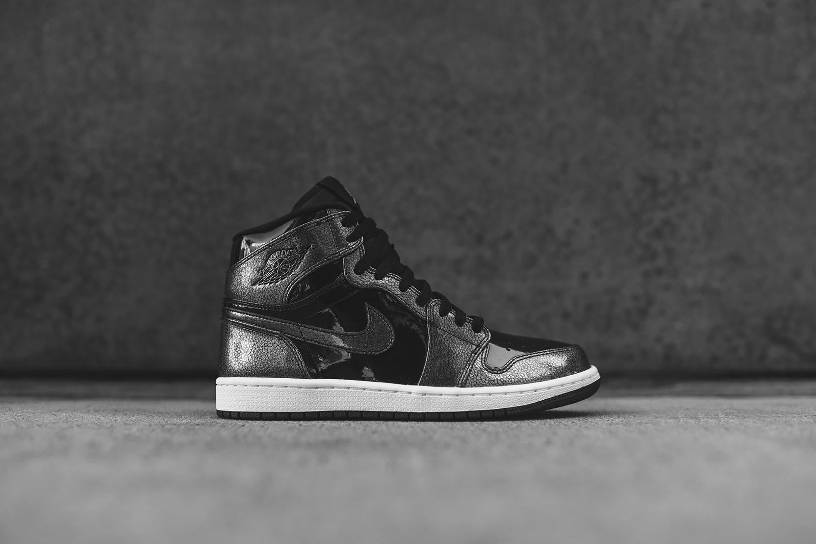 Nike Air Jordan 1 Retro High GS - Black / White