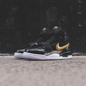Nike Air Jordan Legacy 312 - Black / Metallic Gold / White