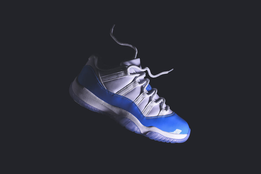 Nike GS Air Jordan 11 Retro Low - White / University Blue
