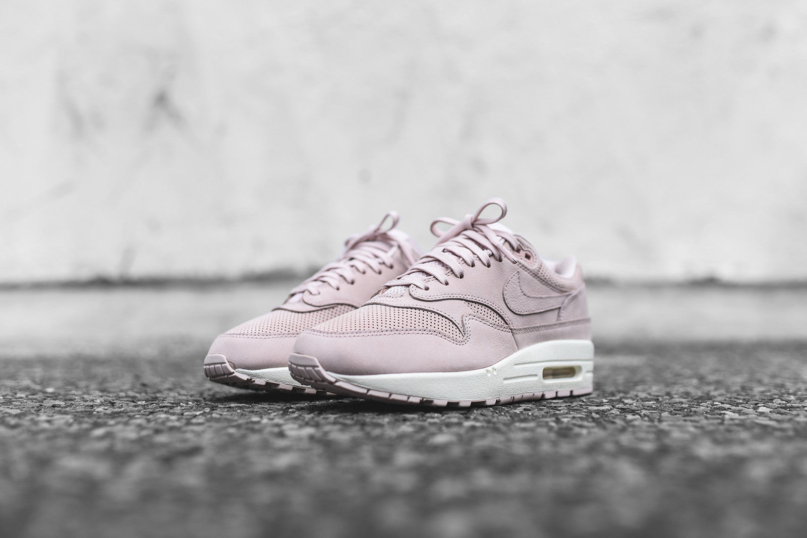 nike air max 1 pinnacle silt red