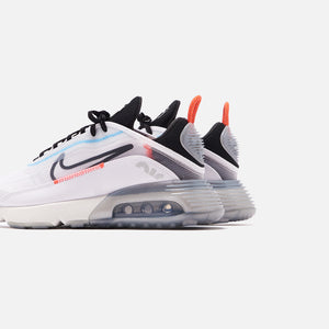 Nike WMNS Air Max 2090 - Blue Hero Image 4