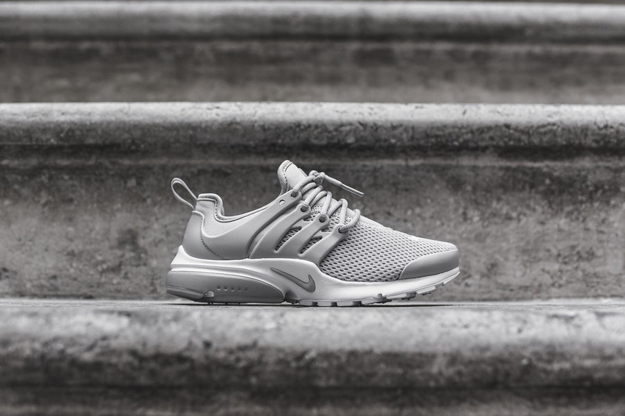 Nike WMNS Air Presto - Grey / White