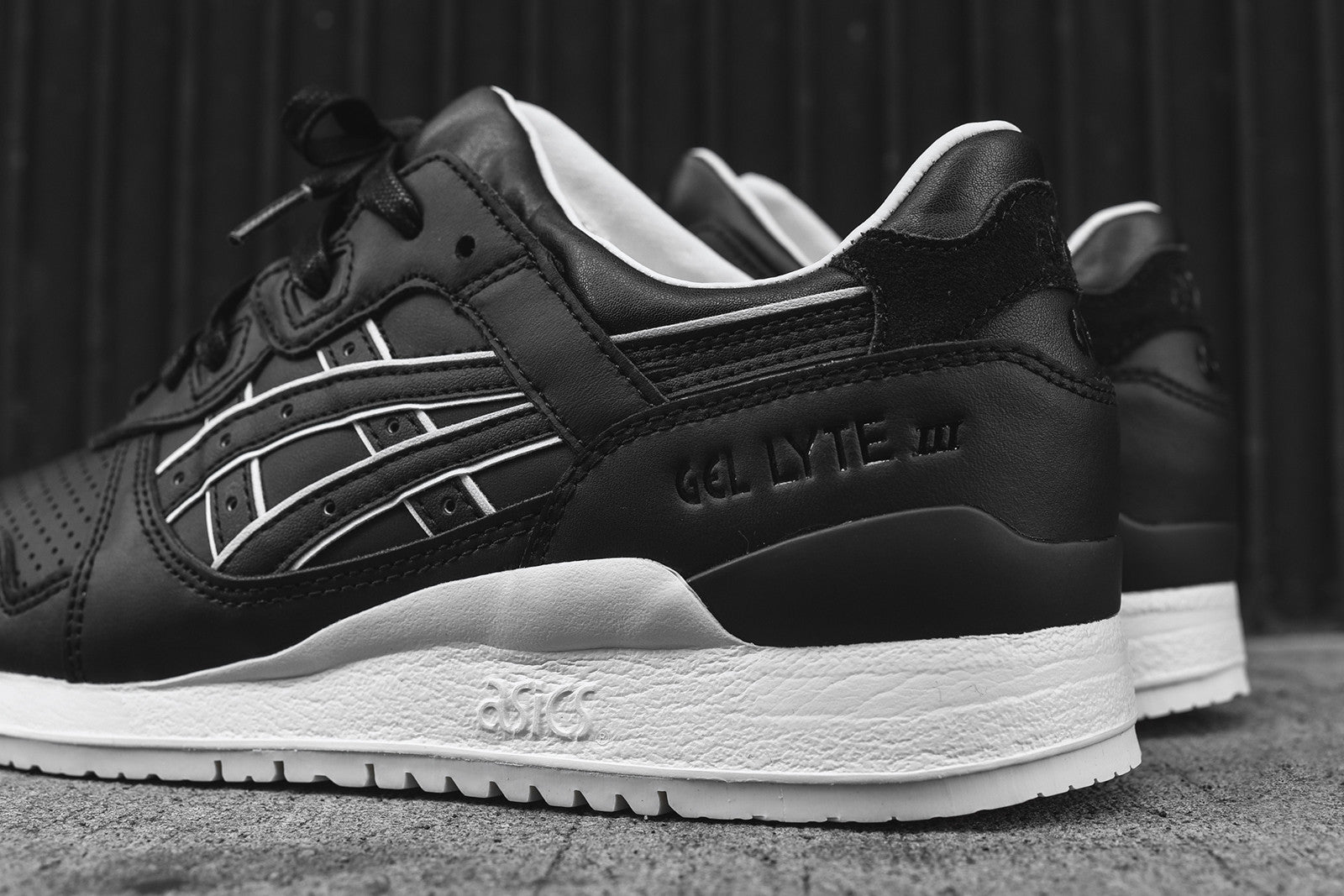 Asics Gel Lyte III - Black / Off White