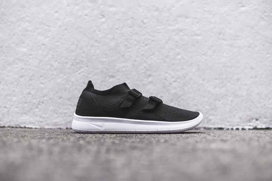 Nike Air Sock Racer Ultra FK - Black / White