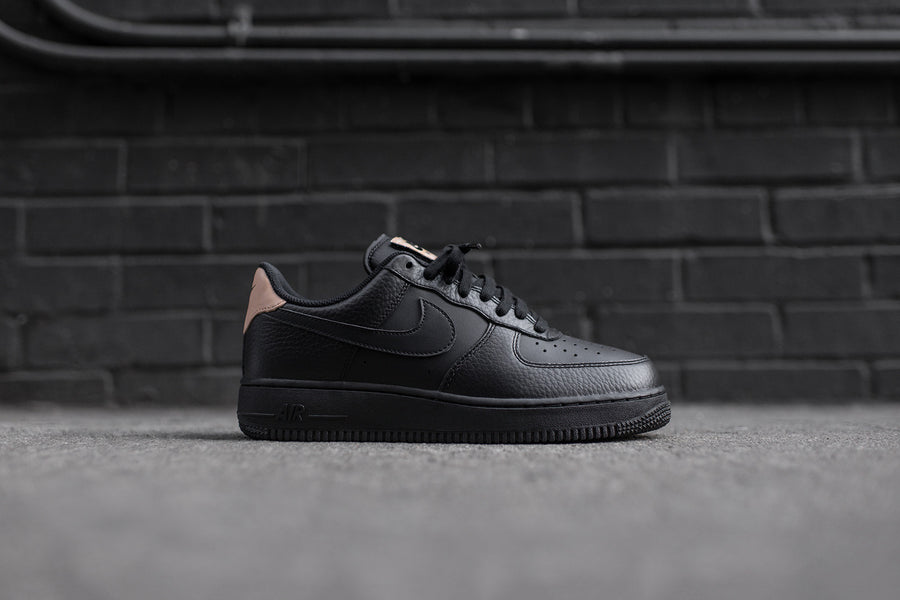 Nike Air Force 1 '07 LV8 - Black