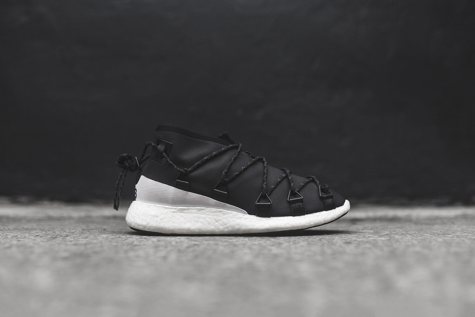 Y-3 WMNS Cross Lace Run - Core Black / White