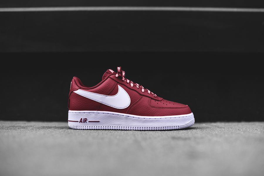 Nike x NBA Air Force 1 LV8 - Burgundy