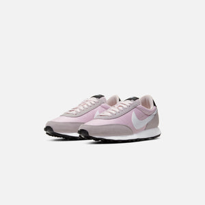Nike WMNS Daybreak - Barely Rose / White / Silver
