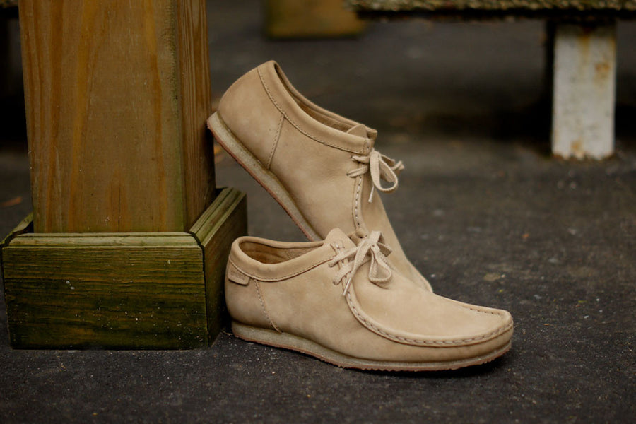 CLARKS Wallabee Run - Taupe