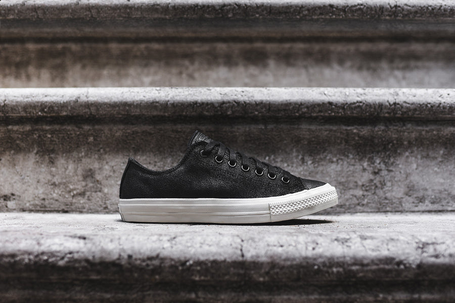 Converse by John Varvatos Chuck Taylor All Star II Ox - Black / Turtle Dove