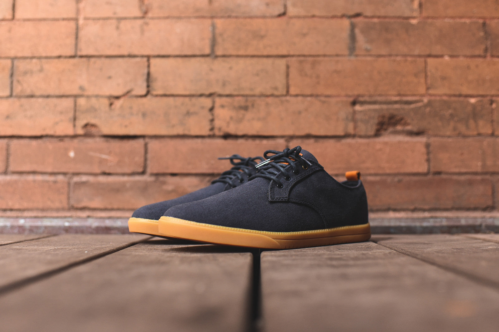 Clae Ellington - Navy / Gum