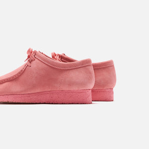 Clarks Wallabee - New Bright Pink – Kith