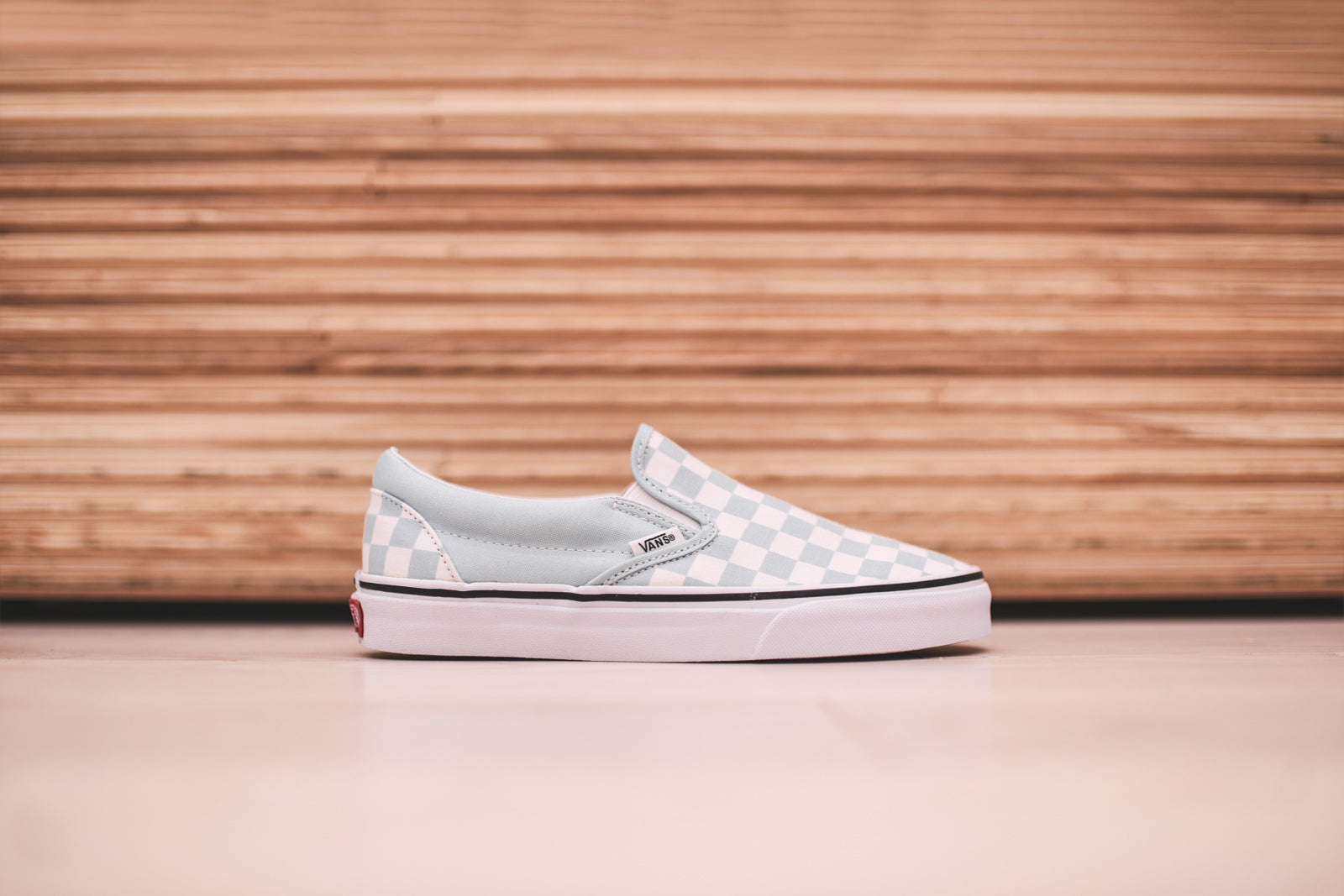 vans classic slip on checkerboard baby blue true white