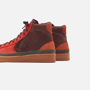Converse Pro Leather Mid - Fiery Scarlet / Deep Mahogany