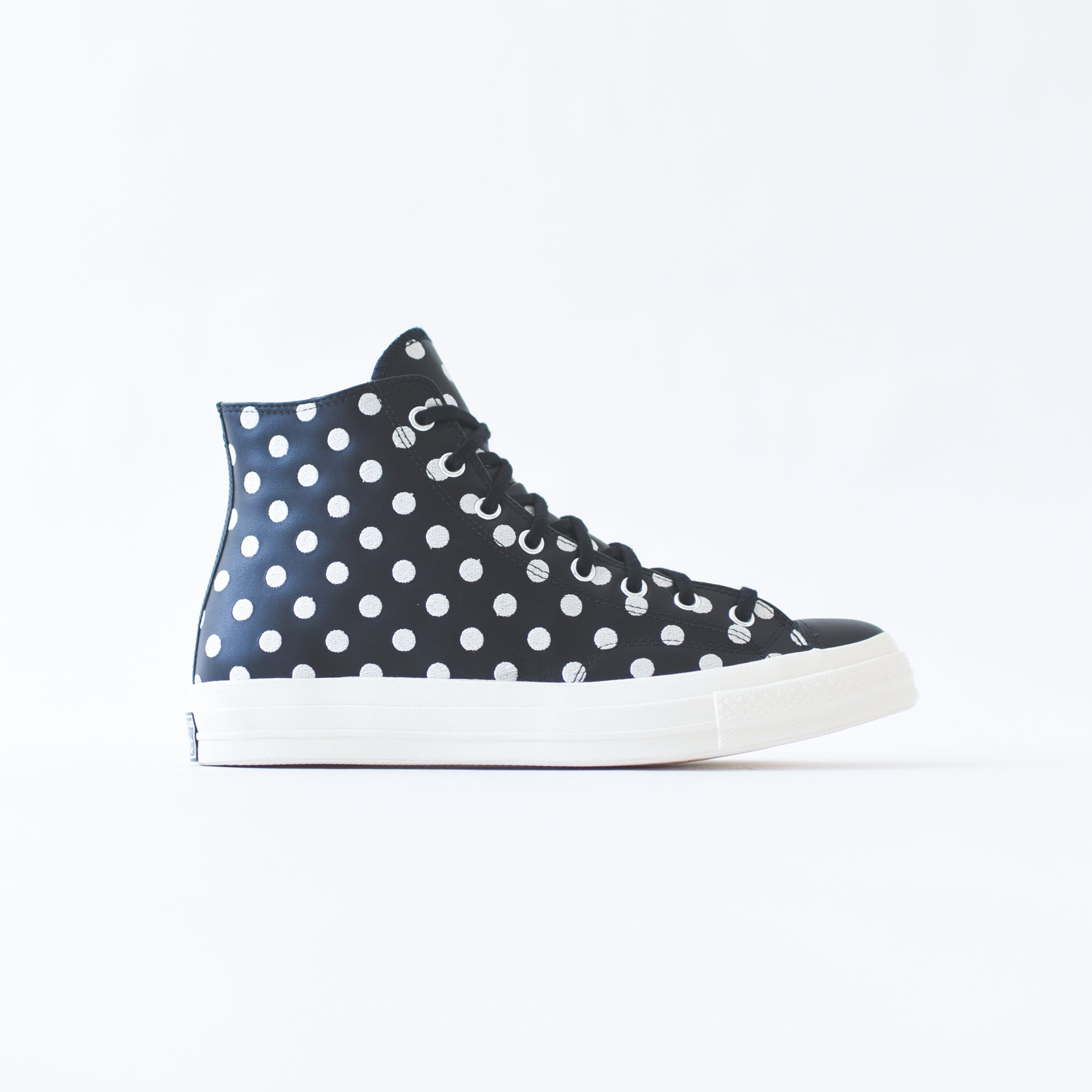 Converse Chuck High - Black Dot