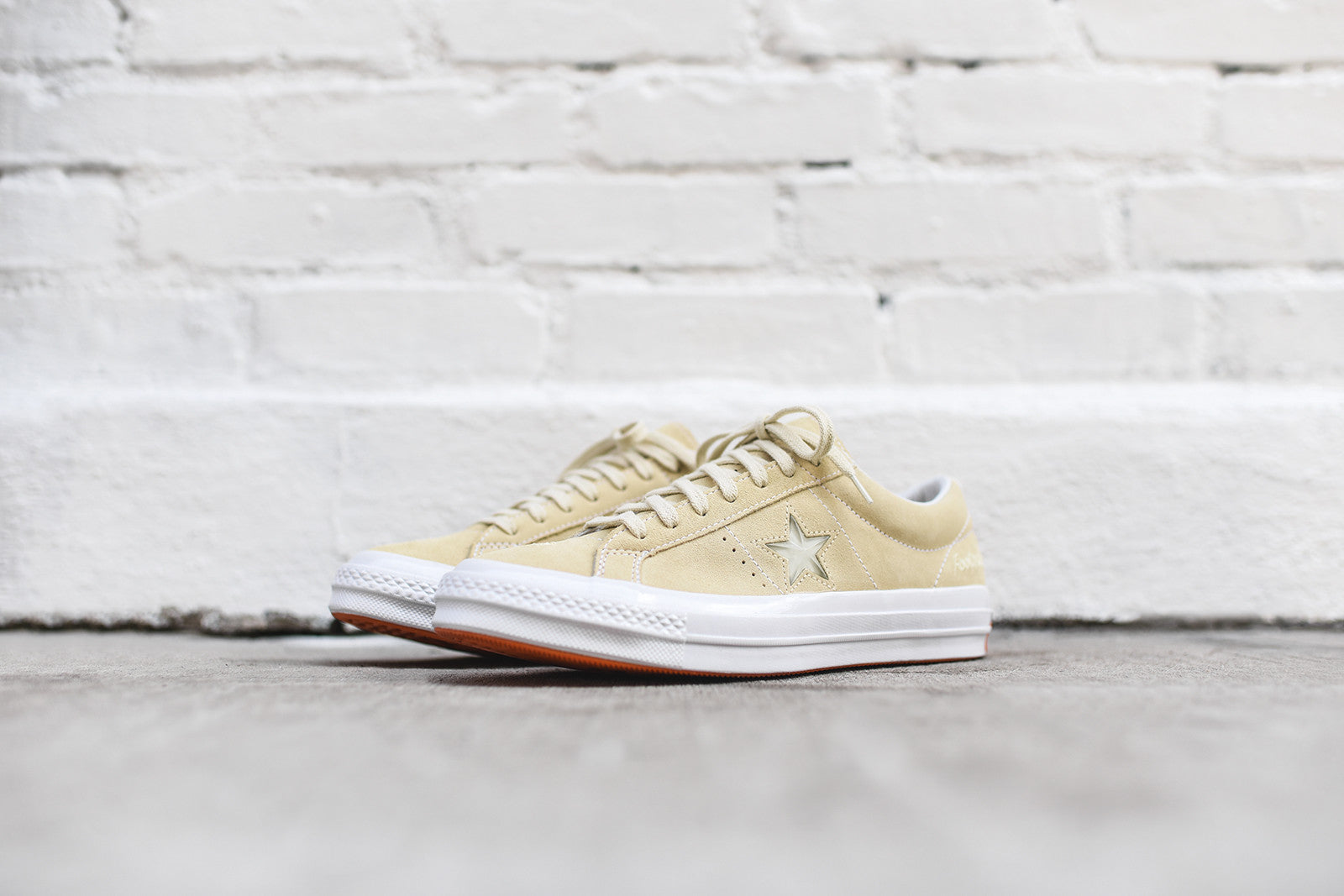Converse x Footpatrol One Star Ox - Cream / White