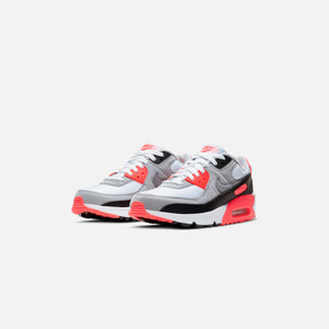 Nike Grade School Air Max 90 QS - White / Black / Cool Grey / Radiant Red Image 2