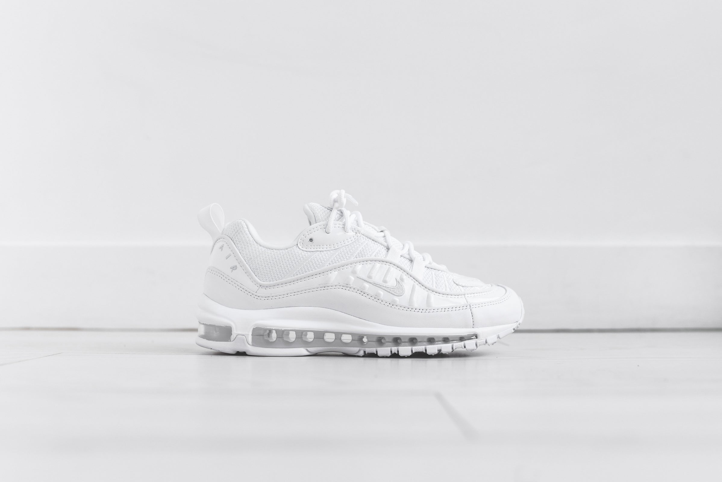 Nike Air Max 98 - Triple White