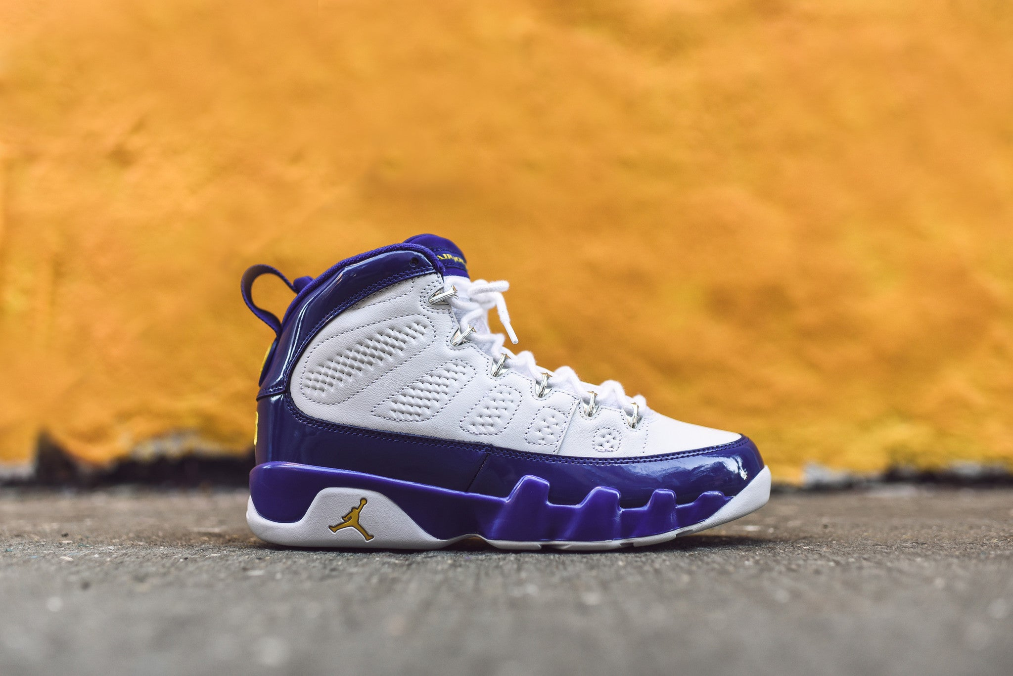 Nike Air Jordan 9 Kobe Bryant PE - White / Tour Yellow / Concord