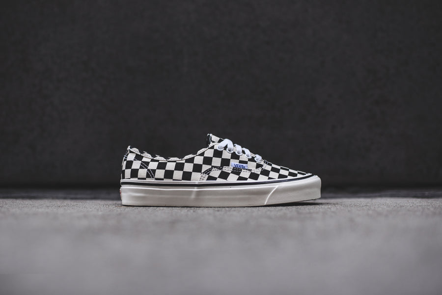Vans Authentic 44 DX - Black / Checkerboard