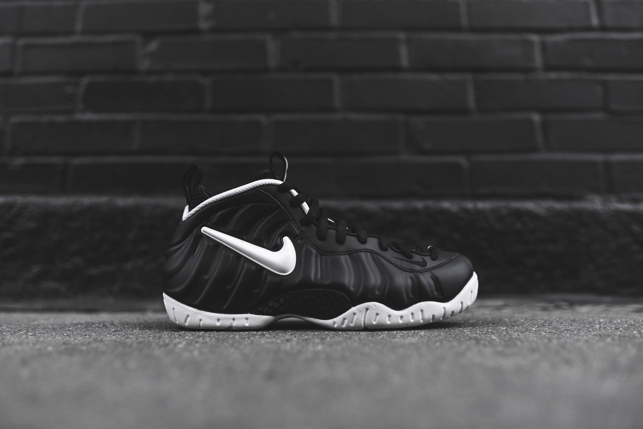 Nike Air Foamposite Pro QS - Dr. Doom