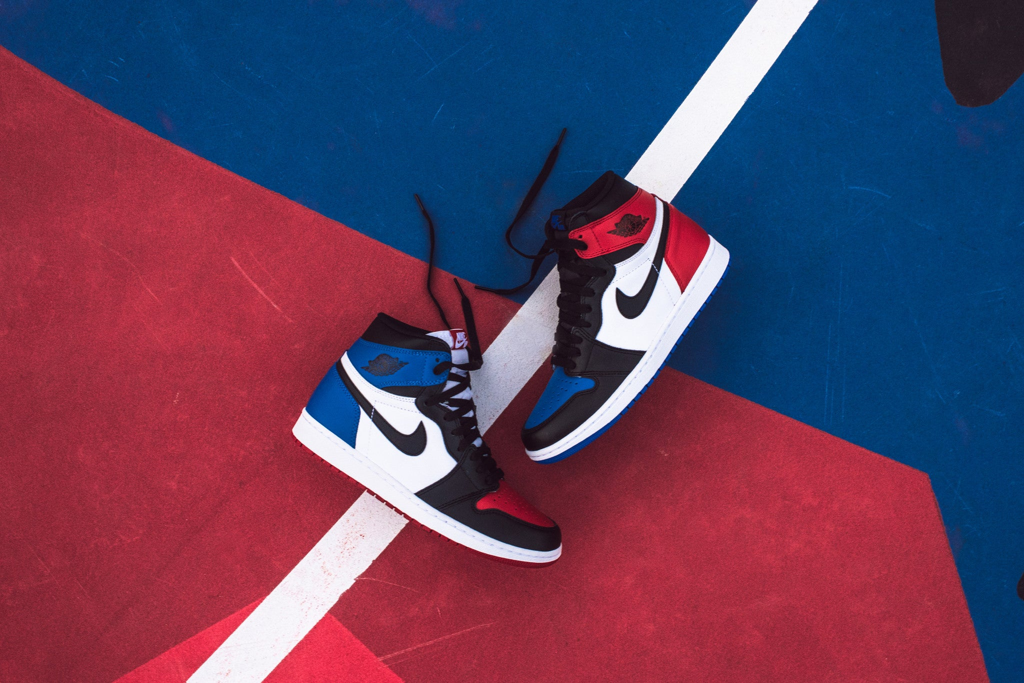Nike Air Jordan 1 Retro High - Top Three