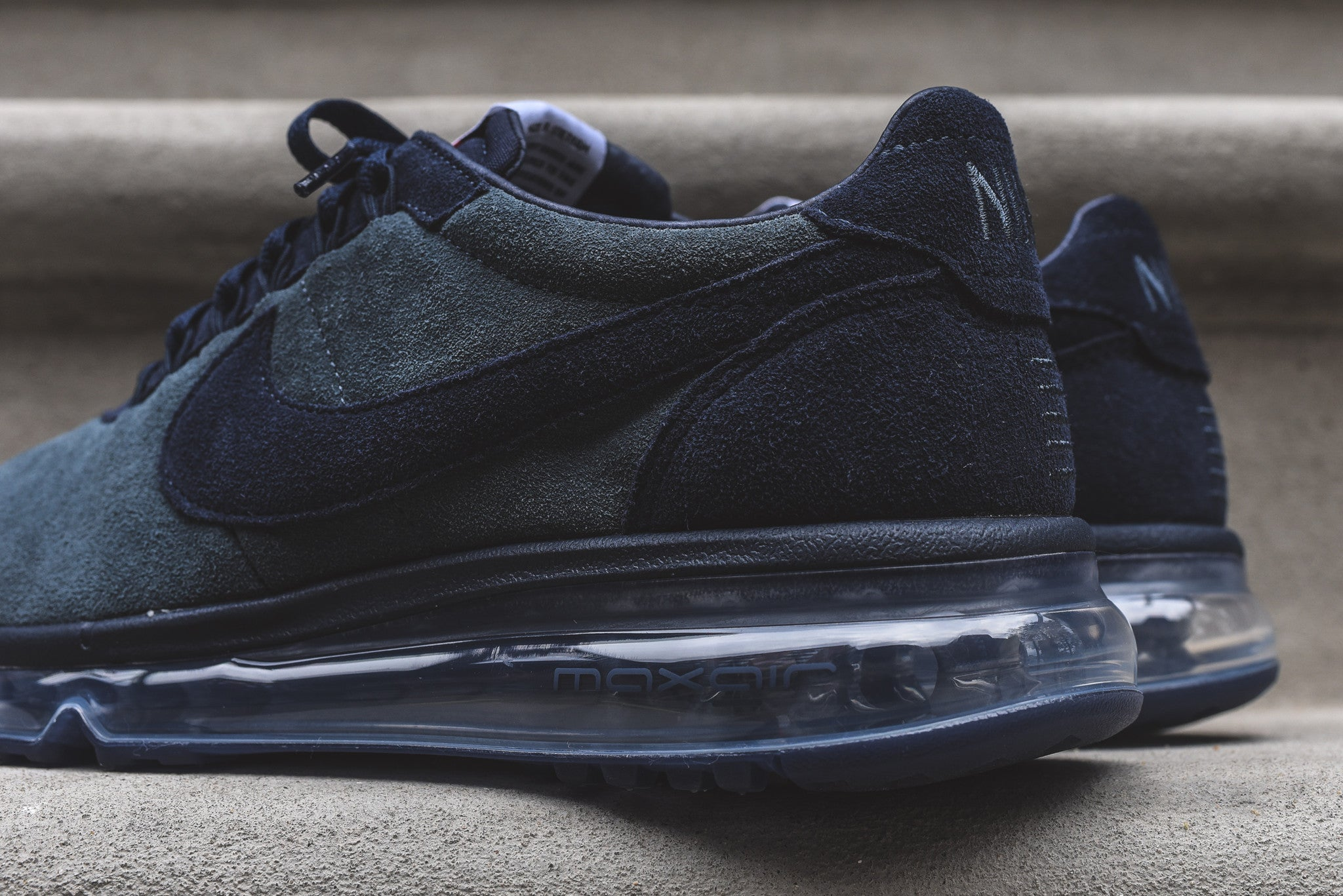 Nike Air Max LD-Zero - Black / Dark Grey